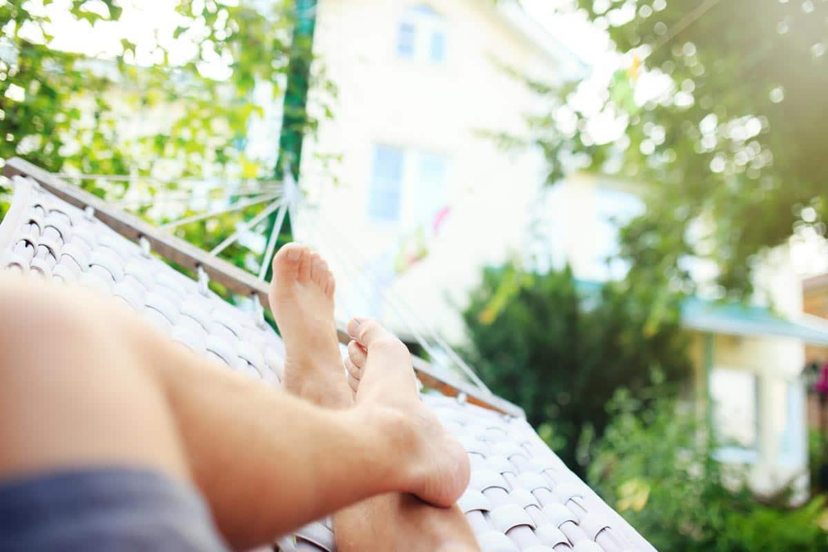 Behandlung von Fersenschmerzen durch Ruhe