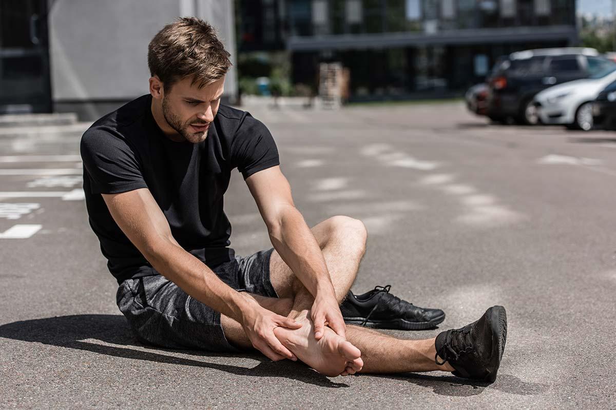 Schmerzen am Schienbein - Ursachen - Fußprobleme und Laufstil