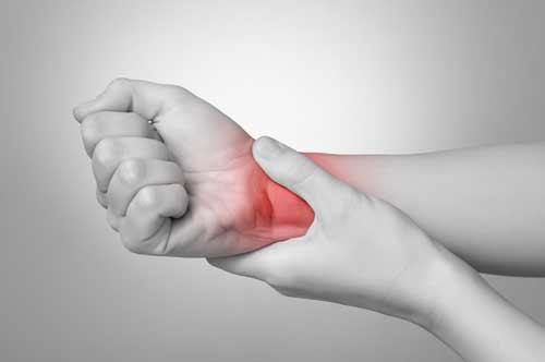Schmerzen am Handgelenk nach dem Golfspielen